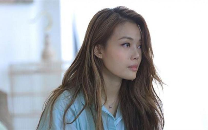 容祖兒MV哭不停 被笑「水做的」