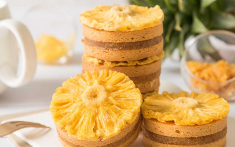 潮派送禮!太陽鳳梨酥、刻印蛋糕、硬布丁、鹹酥雞餅乾 美味有新意
