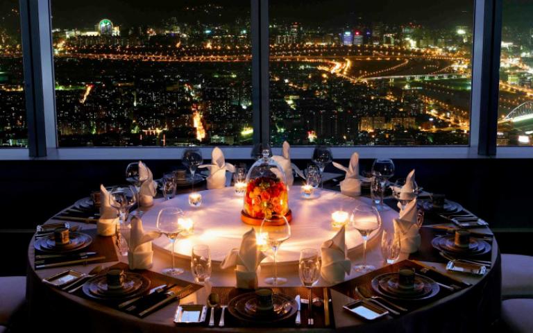 吃美食享美景!全台最高景觀餐廳歡慶10周年 經典組合套餐68折起