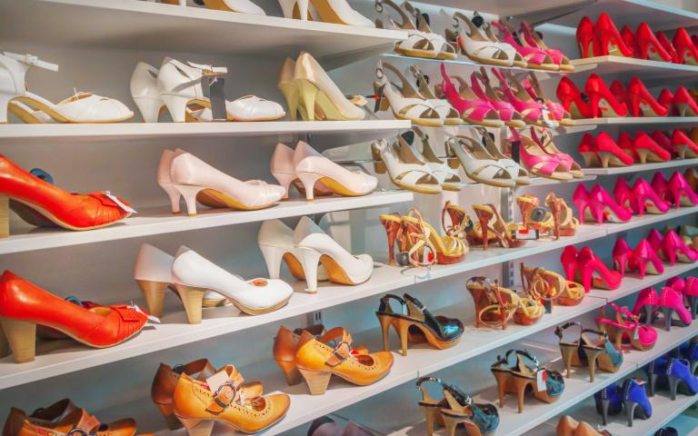 從鞋子就能看透人心?愛穿「這種鞋款」的人恐不擇手段做事!