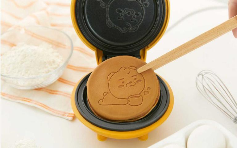 買啦 哪次不買!Kakao Friends x récolte推出「萊恩迷你鬆餅機」,攻佔各位的廚房!