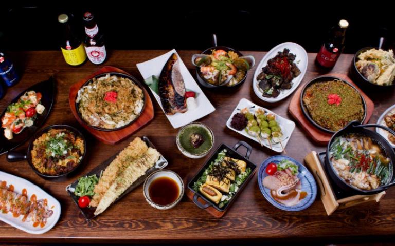 居酒屋老闆日本九州取經新菜色 牛腸鍋、門司燒、炒麵美味更加碼