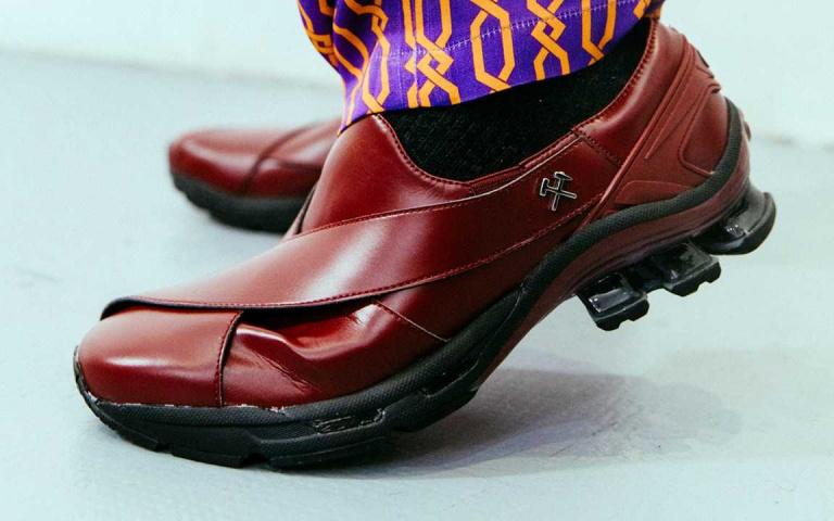 日式跑鞋尬上德國時裝品牌會蹦出什麼火花呢?GmbH x ASICS GEL-CHAPPAL 改觀你對運動鞋的看法!
