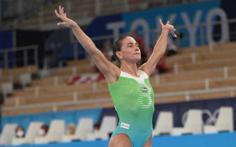 「兒子病沒好,我不敢老」烏茲別克46歲體操選手8度參加奧運,退役現場響起如雷掌聲!