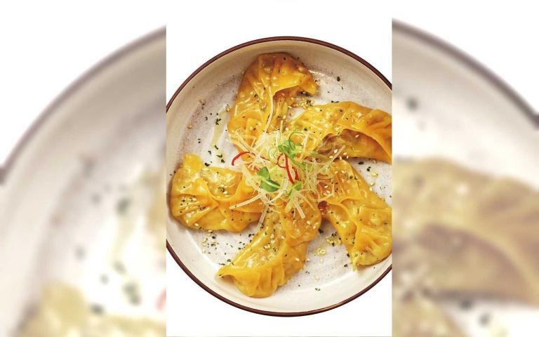 小餃子大花招1/小小樹食 還原酸菜鍋