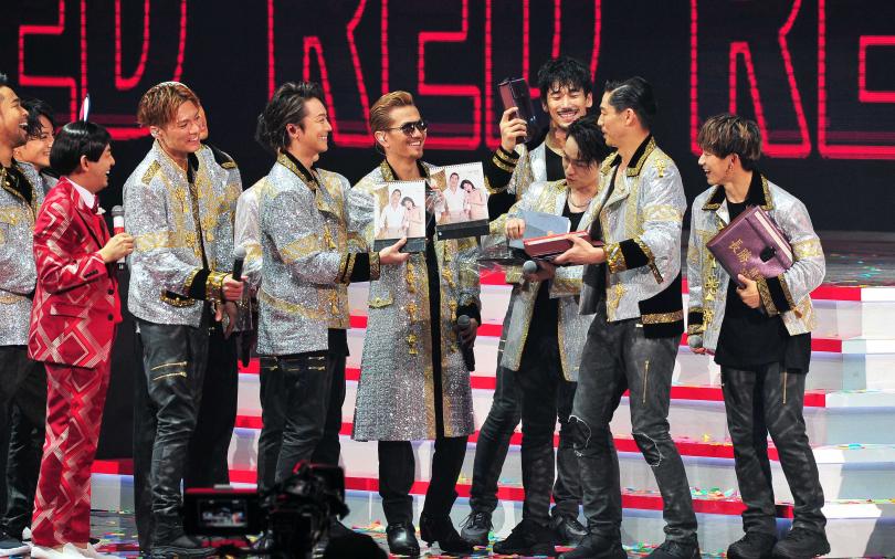 林志玲低調現身《紅白》 全程觀賞AKIRA演出