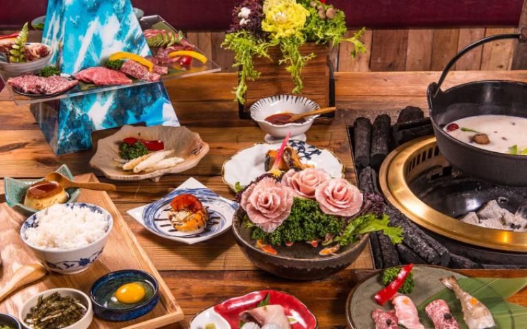 視覺系燒肉+火鍋推出華麗新招 燒肉富士山超吸睛!