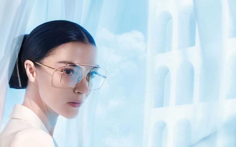 FENDI 推出2021春夏男女新款眼鏡系列 面部時尚再進化 展現品牌精緻且富有現代感的設計密語!