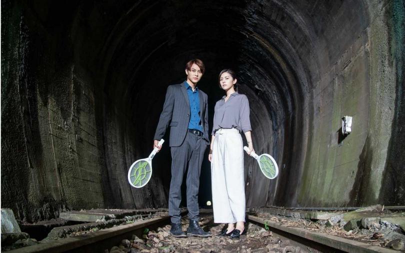 廢棄隧道拍片被攻擊 王子、任容萱靠電蚊拍護體
