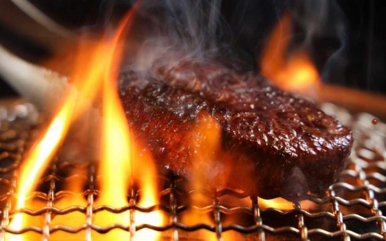 和牛燒肉狂歡派對VS.高檔海陸燒肉禮盒 中秋節這樣吃好奢華!