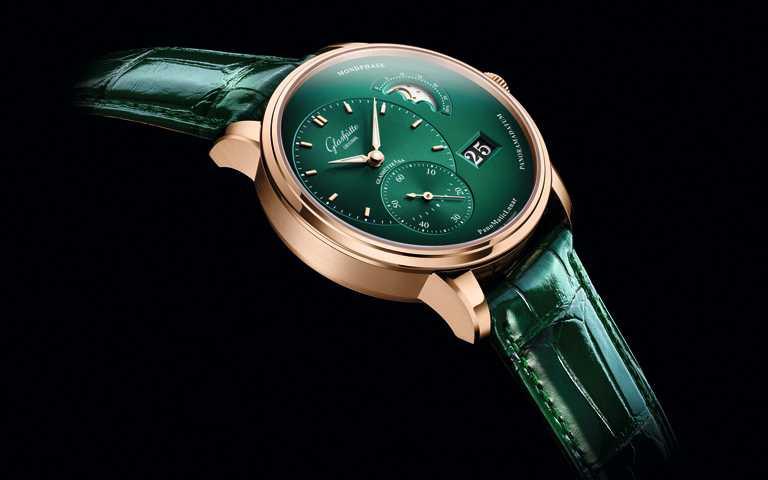 漸層森林綠微妙傾心!格拉蘇蒂「PanoMaticLunar」偏心月相腕錶 紅金濃墨重彩畫龍點睛