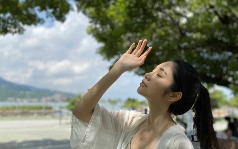 黃豪平淡水約會 漂亮姐姐神似韓國女神