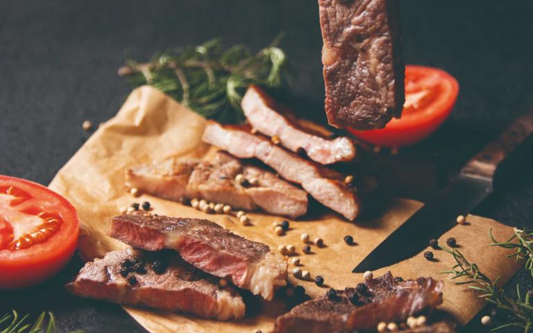 知名燒肉店滿千送千!新菜單增泰式米布丁+日式雞釜飯等多項選擇 帶你用舌尖環遊世界