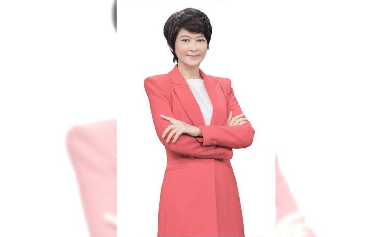 中天「新冠病毒研究室」系列報導 盧秀芳親訪張文宏、胡必杰