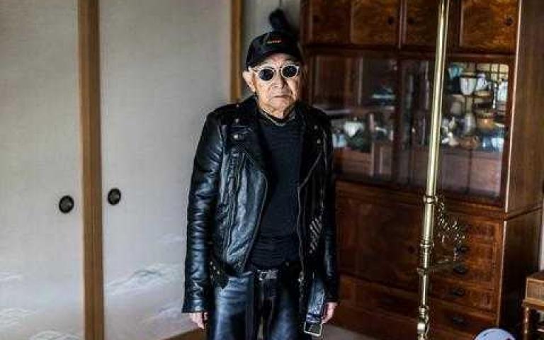這歲數還能這樣穿? 他穿上孫子的衣服竟然這麼「潮」~日本Silver Tetsuya老爺爺!