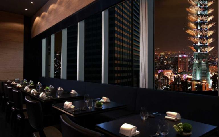 想舒服欣賞台北101的360度輪狀煙火秀?信義區餐廳最後卡位看這裡!