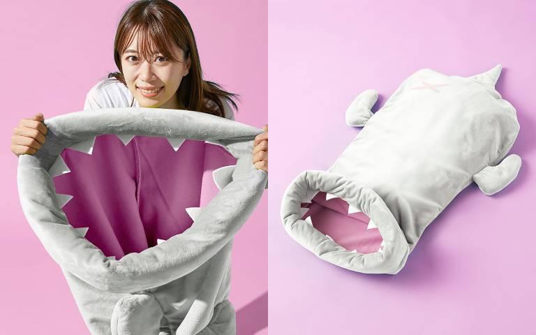 半夜會做惡夢嚇醒吧?!「奇怪龍睡袋」登場,看起來就像被怪獸生吞!