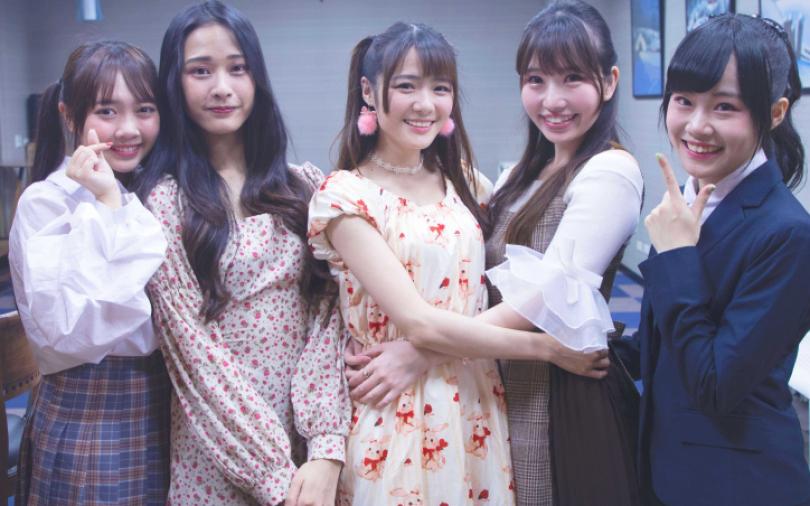 國民女團「AKB48 Team TP」為2月壽星曾詩羽、林倢慶生
