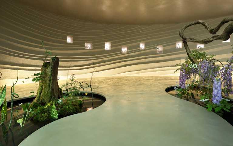 居家工作療心術!梵克雅寶《Light of Flowers》東京期間限定展 珠寶花卉藝術裝置線上看