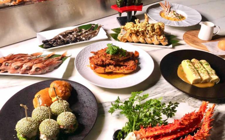 最強秋蟹宴來囉!狂推25道蟹料理VS.蒜蓉清蒸帝王蟹+炙燒和牛握壽司吃到飽