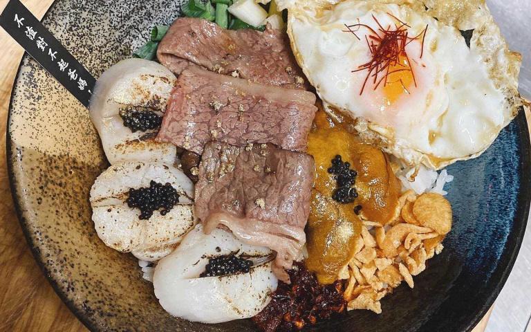 周末深夜就要來碗和牛肉燥飯!台中宵夜一籮筐 還有暖死人不償命的燒酒雞(1)