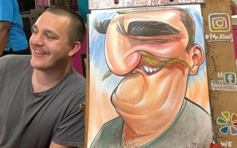 街頭肖像藝術家Alani J ,竟然得過世界最快的漫畫家獎項!