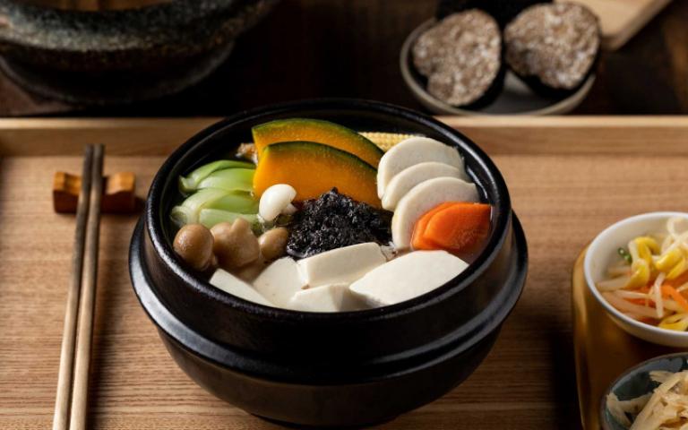 黑金系新菜上桌!黑松露豆腐煲、軟殼蝦盛合 擄獲你的味蕾