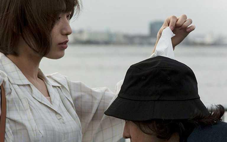 感冒者、過敏兒必備!「衛生紙套漁夫帽」來救你了,「隨走隨抽」超方便!