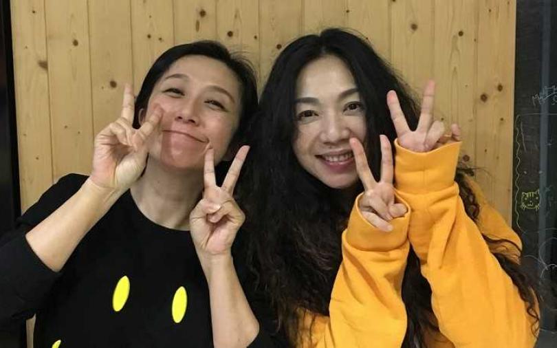 萬芳開直播為演唱會催票 邀好友黃韻玲助陣尬聊
