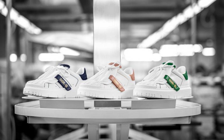 復古靈感結合前衛潮流!全新世代「Dior-ID休閒鞋」磅礡亮相 穿出時尚全靠它!
