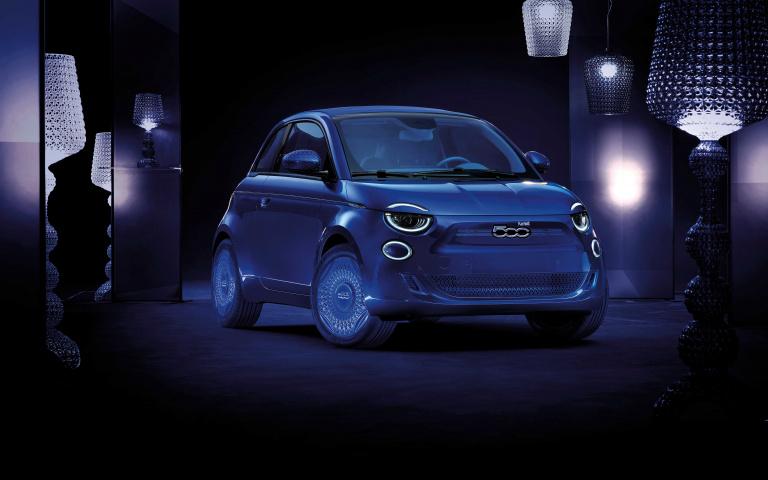 一輛地位崇高的 都會小車  連時尚精品都要跟它聯名 Fiat 500!