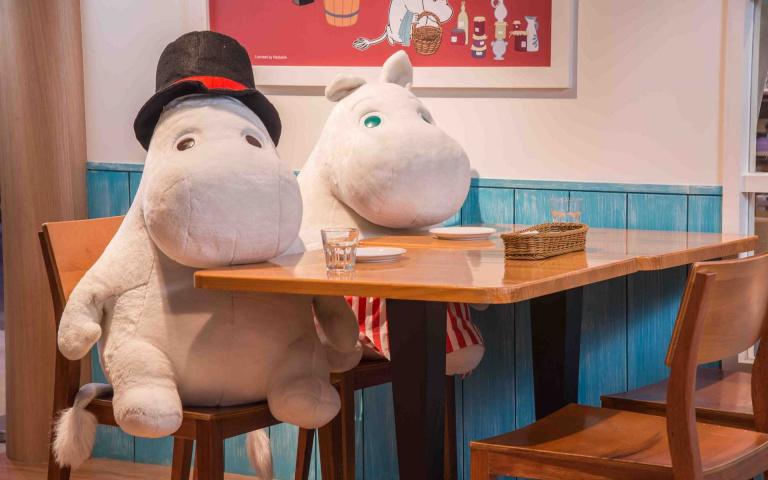 滿額就送限量「嚕嚕米媽媽蛋糕」!全台唯一「嚕嚕米餐廳」歡慶母親節,選購指定餐點即贈「進口馬克杯」!