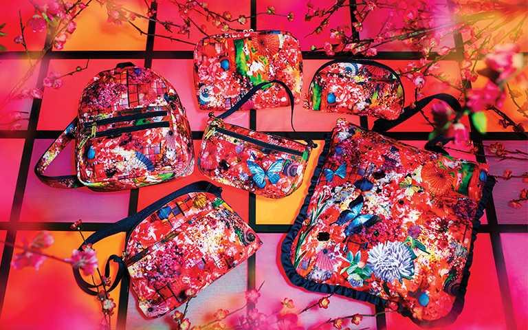 蜷川實花「海棠紅」聯名包款,華麗時髦滿滿的東洋風