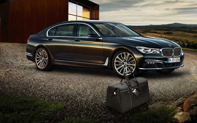 身為汽車大廠 除了車輛厲害之外 連精品也在車迷心目中占有一大地位! BMW原廠精品 就是要你連身上都有型!