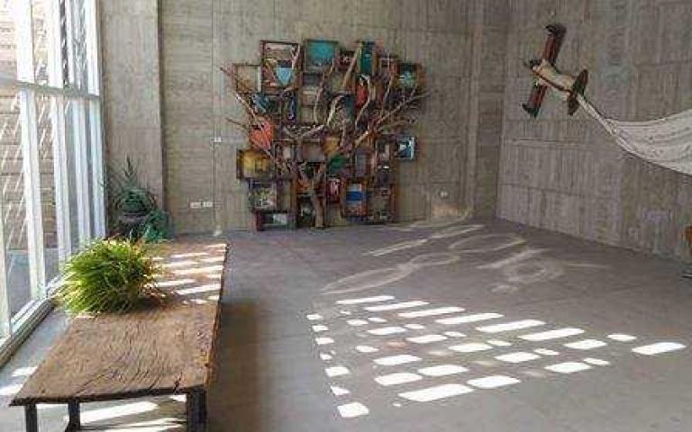 藝術家創造屬於自我的展藝空間  結合自宅與展場的建築  黃步青80藝術空間 ~