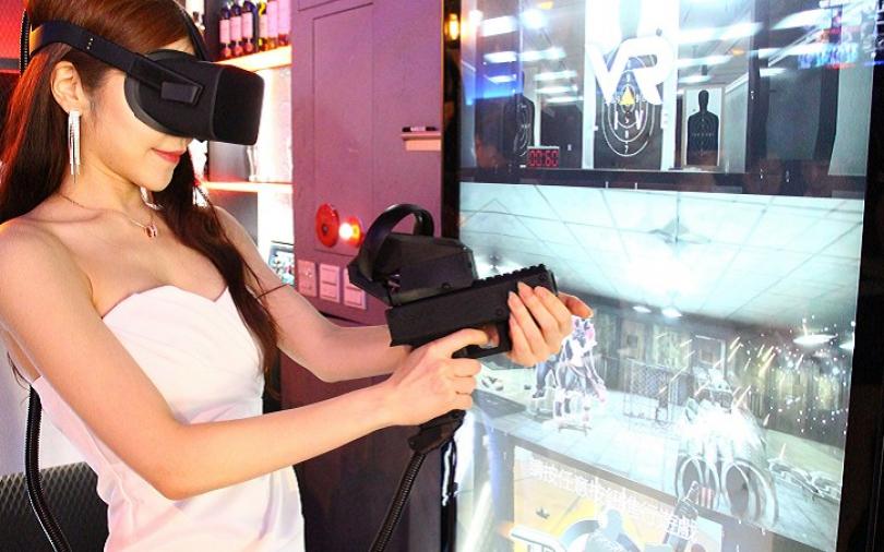 【吃新鮮】 打怪先?吃喝先?「BOX Taipei」VR餐酒館創新玩!