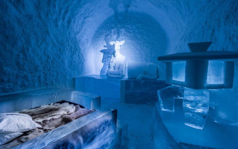 想當Elsa就是這麼簡單!全球最美「冰旅館」此生必訪,「用冰杯喝威士忌」超有情調!