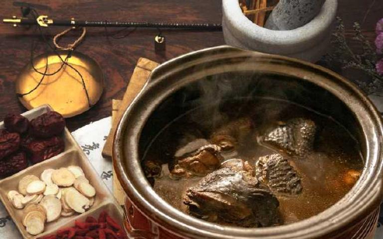 身體虛累累嗎?滿滿珍貴藥材的養生湯品、貴婦級燕窩 用吃的保養好簡單
