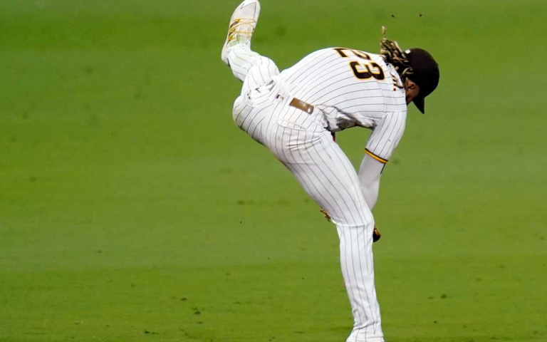 「瑪利歐」兩段式跳躍真的有人可以做到? MLB 聖地牙哥教士球星Fernando Tatis Jr.做到了!