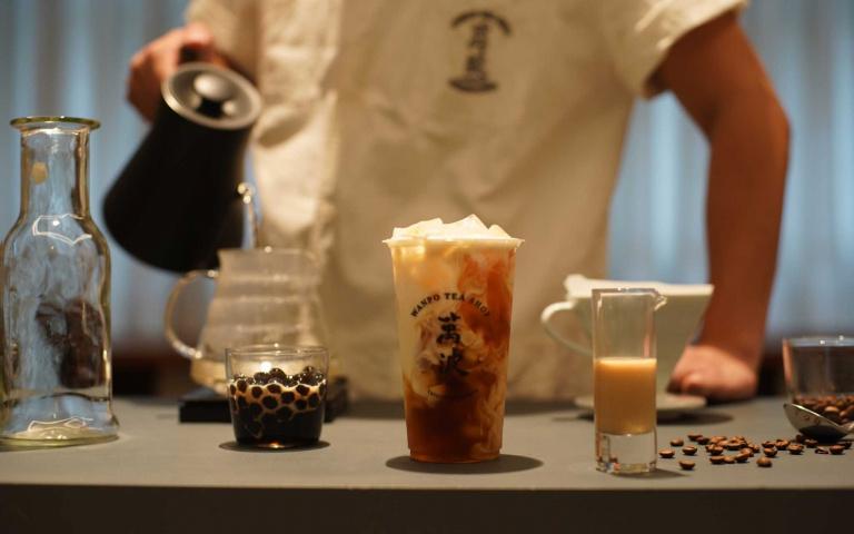 超狂聯名喝起來!知名手搖飲攜手咖啡冠軍品牌 頂級鴛鴦奶茶歷時一年重磅登場