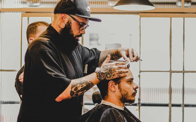 油頭為最常見的髮型 但你真的知道該用那些髮品來整理嗎?盤點幾個國外人氣髮油報你知!