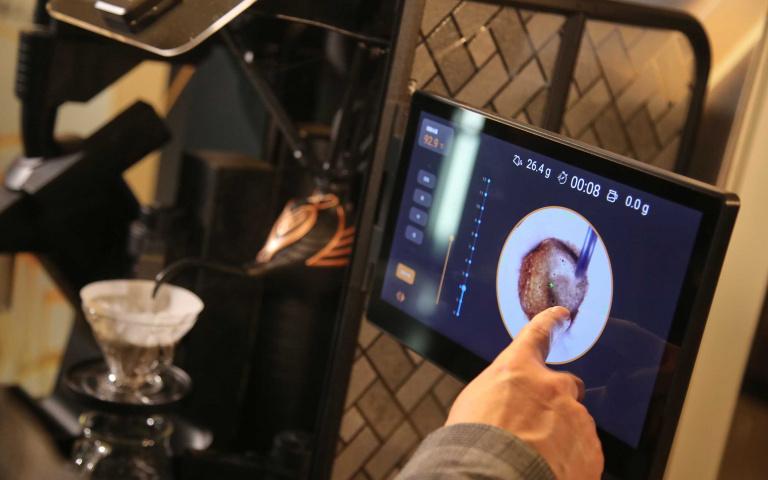 咖啡職人技術無限延伸 手沖咖啡開始邁向智慧時代!
