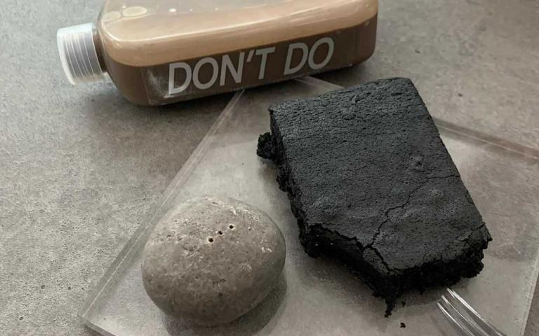 您點的「石頭+磁磚」上桌囉!超狂「研究室咖啡廳」絕對拍照拍到手軟