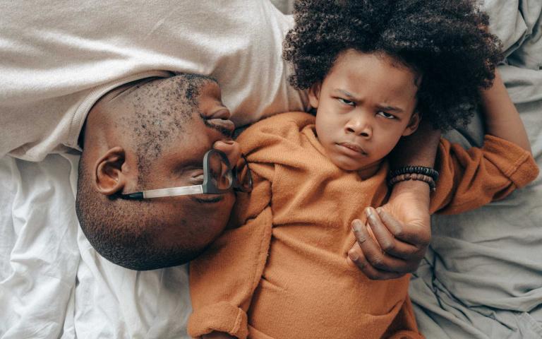 有句話叫做千萬別讓男人帶小孩!因為男人可能比你的孩子還幼稚~