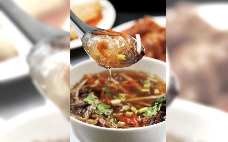 萬華巷仔食旅1/廟埕古早味—阿海雞捲 酥香誘人