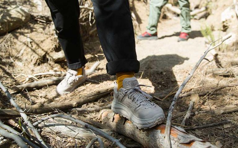 近年風靡全球的戶外厚底鞋履  登山鞋優秀 跑鞋更厲害!法國 HOKA ONE ONE~