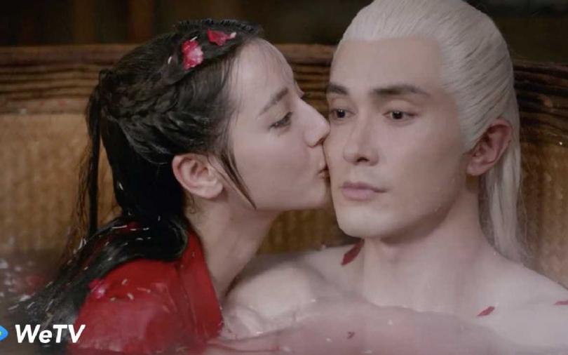 迪麗熱巴與高偉光終於圓房 大洗鴛鴦浴上演窒息之吻