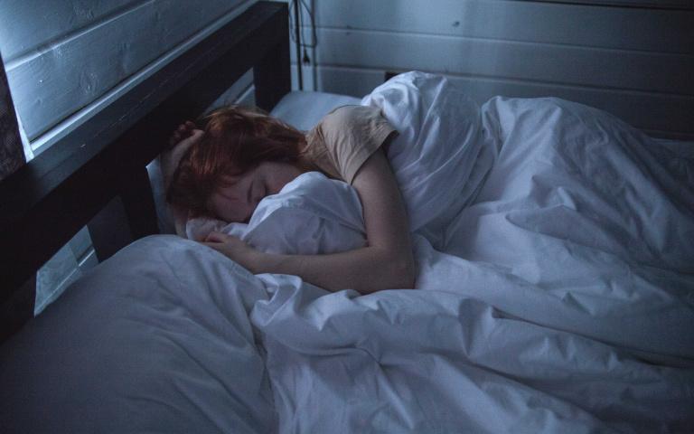 還在為失眠所苦?5款精油讓你一覺到天亮 下班手刀去買