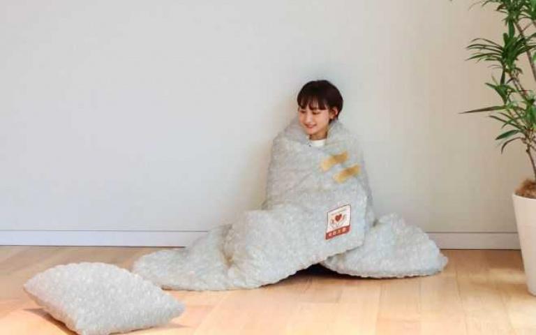 又是日本搞的鬼!神級小物「泡泡紙寢具組」把你捆緊緊,安全感滿出來啦!