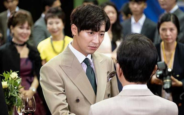 李相燁片場開撩「要我讓你心動嗎?」 女星無感直呼他太過頭